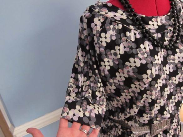 Raglan sleeve with ribbed cuff
