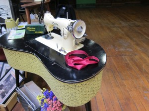 Look at this vintage sewing machine - what a beauty