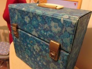 A rockin' record box