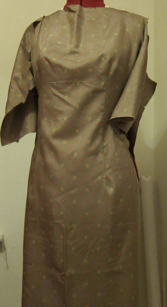 McCalls 2401 in Liberty silk